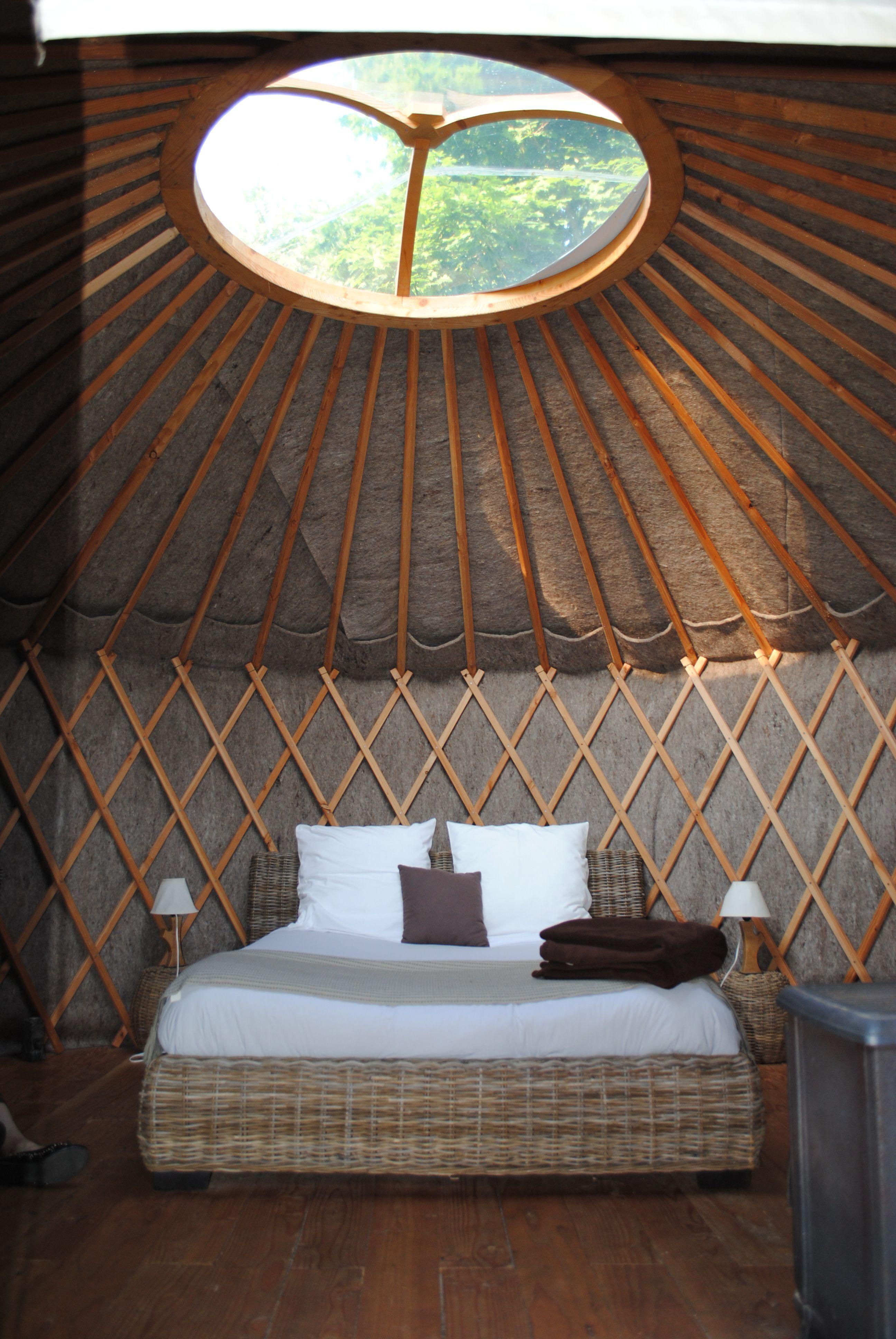 domaine de la pierre ronde. Black Bedroom Furniture Sets. Home Design Ideas